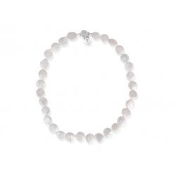 Pärlhalsband med platta sötvattenpärlor i storlek 125 mm. Halsbandet är 45 cm långt