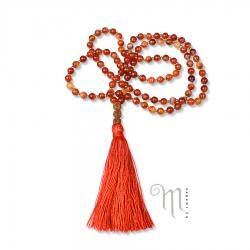 Halsbandet Namaste i Karneol